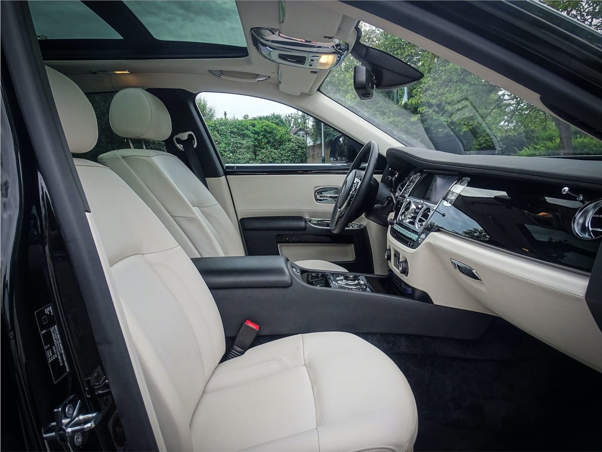2014 Rolls Royce Ghost V12 SALOON LHD AUTO For Sale (picture 16 of 24)