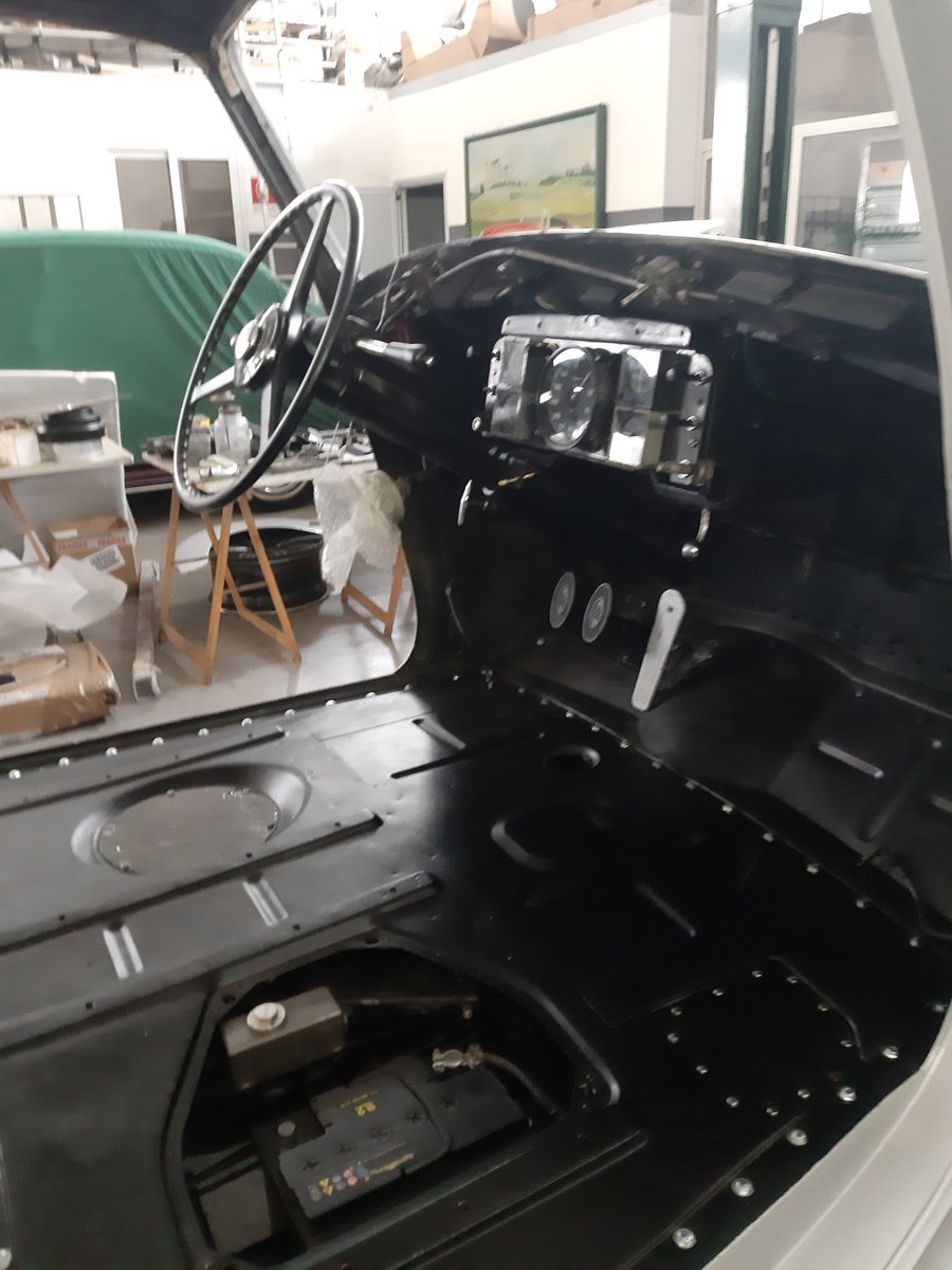 Rolls-Royce Silver Dawn LHD 1951 restored For Sale (picture 5 of 6)