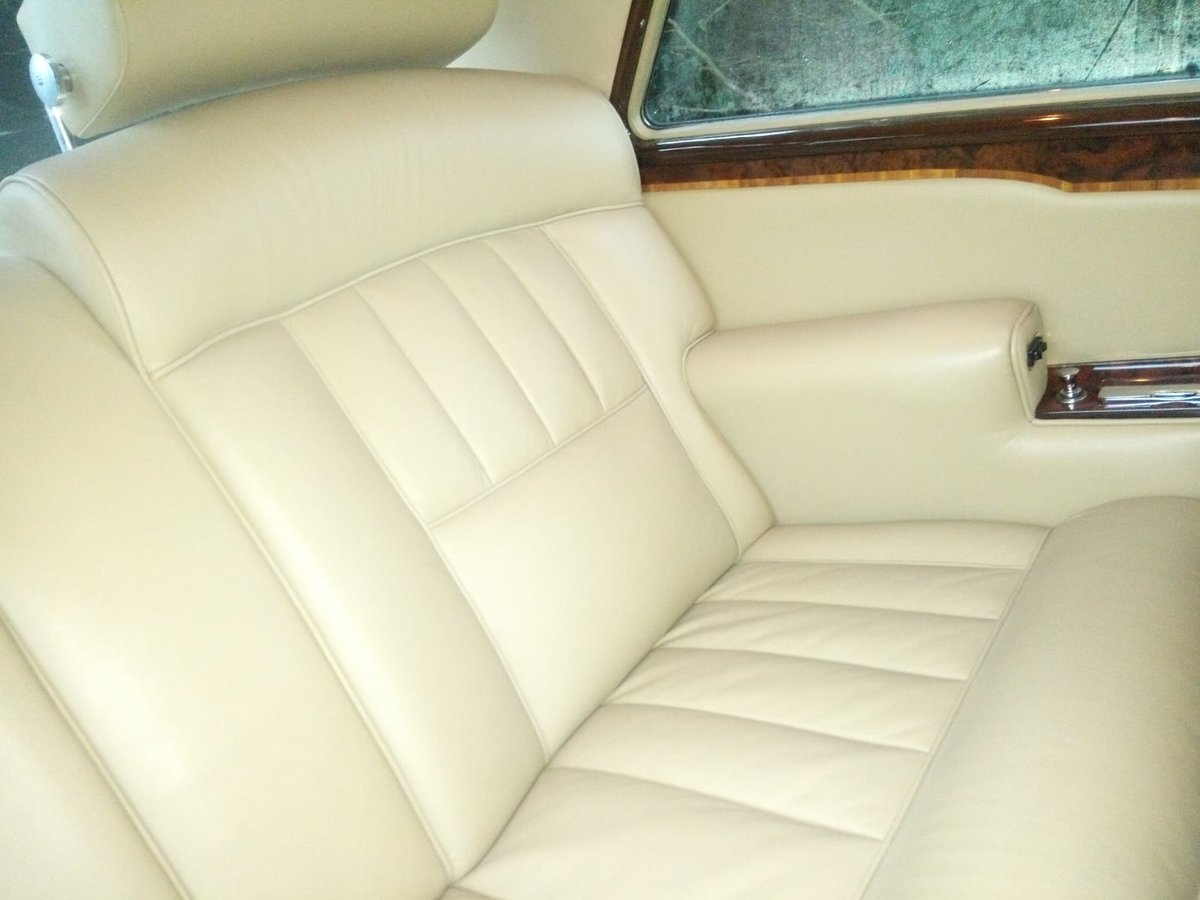 1976 Rolls Royce FHC For Sale (picture 4 of 6)