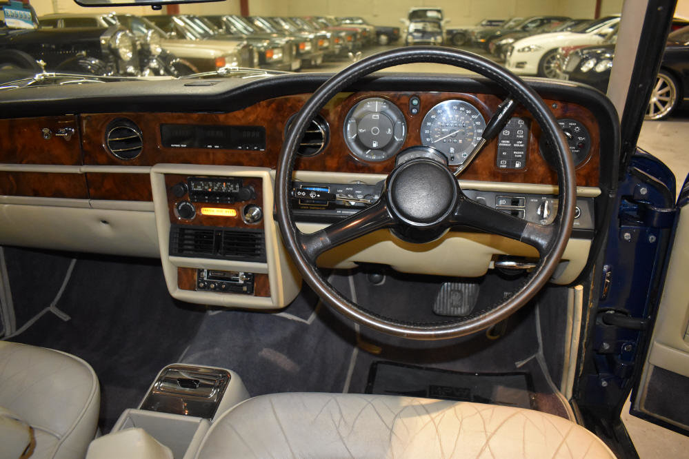 1981 Excellent example with extensive service history For Sale (picture 5 of 6)