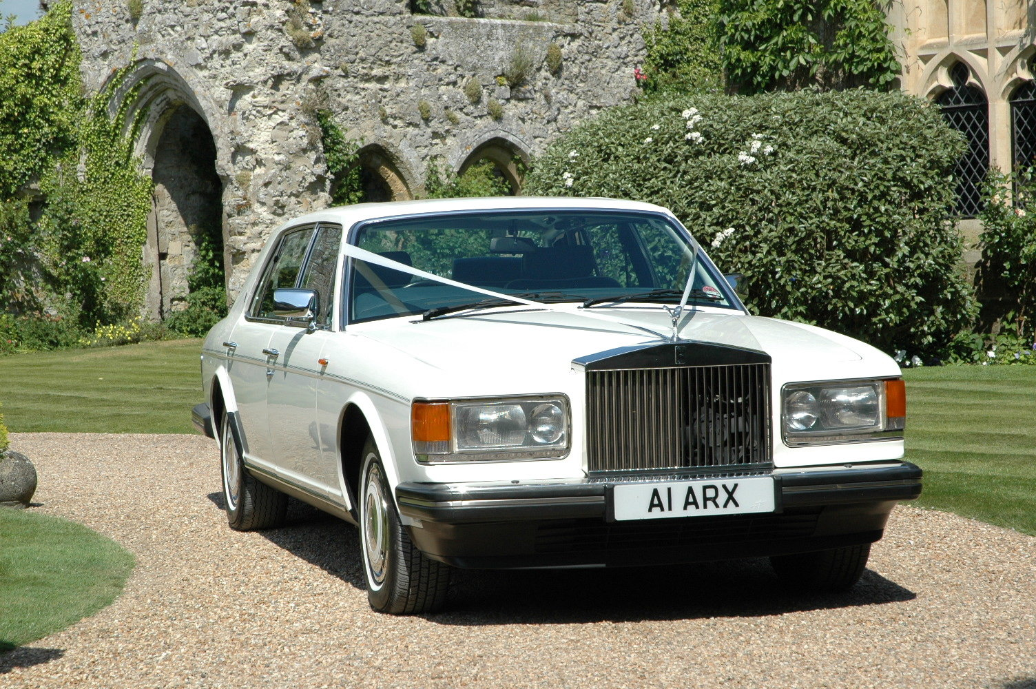 1988 Rolls-Royce Silver Spur in White For Sale (picture 2 of 6)