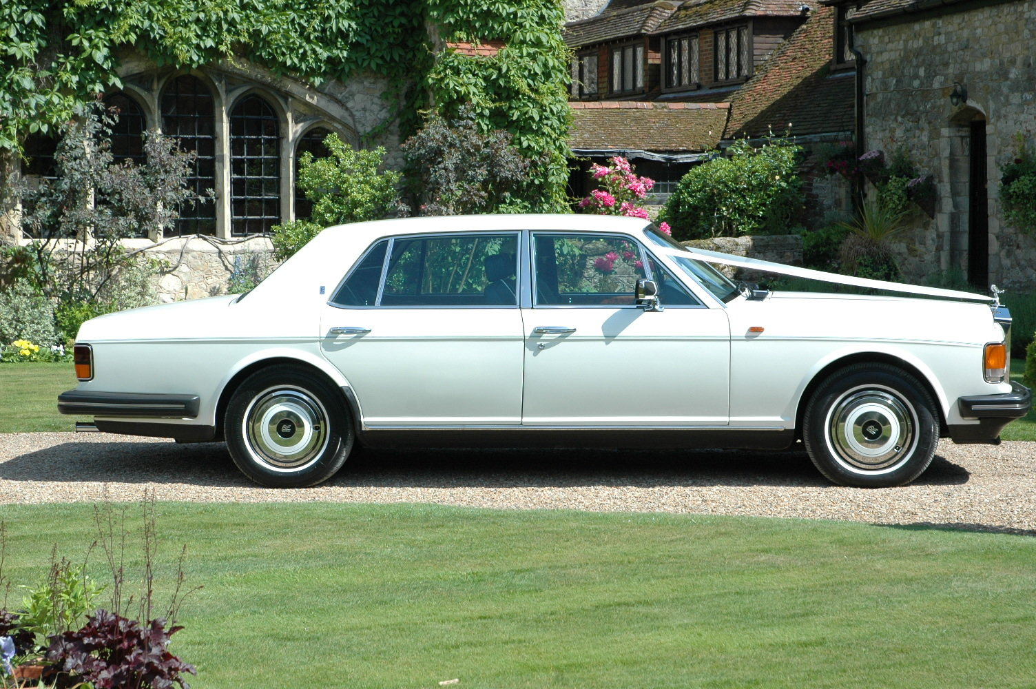 1988 Rolls-Royce Silver Spur in White For Sale (picture 3 of 6)