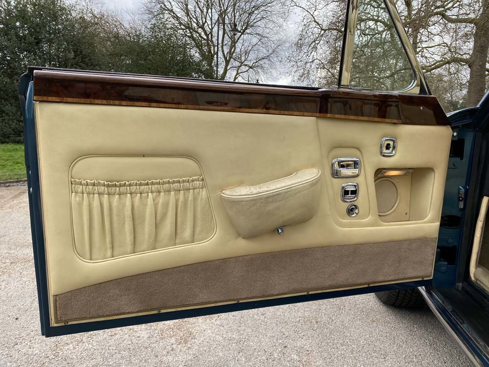 1976 Rolls-Royce Corniche 1A DHC with 11.000 miles only For Sale (picture 16 of 24)