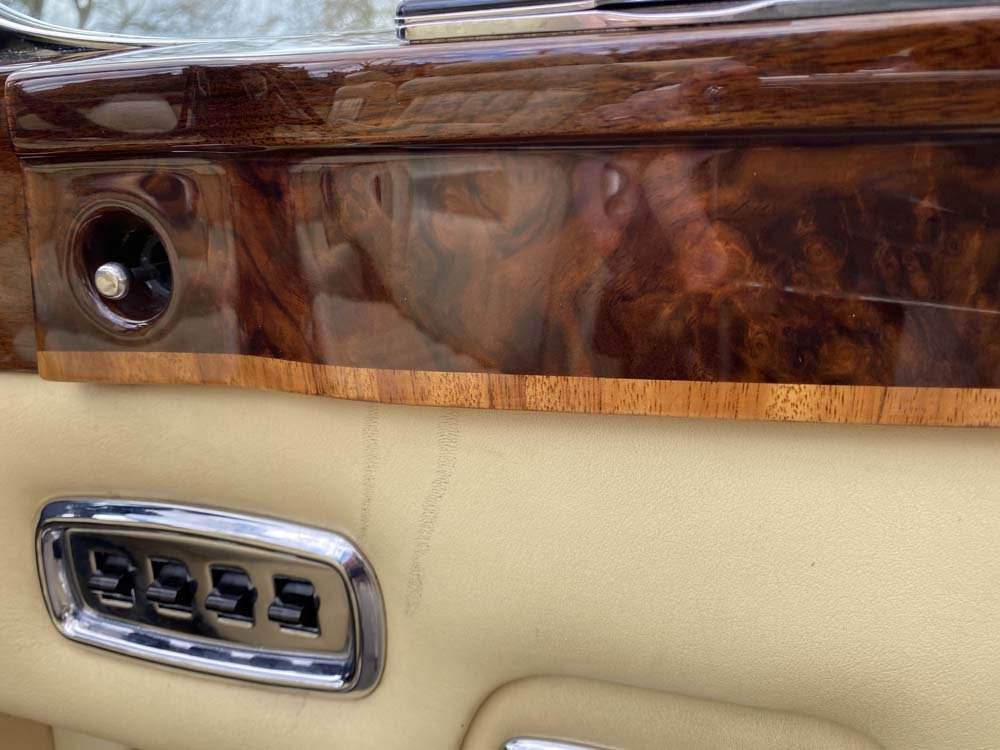 1976 Rolls-Royce Corniche 1A DHC with 11.000 miles only For Sale (picture 18 of 24)