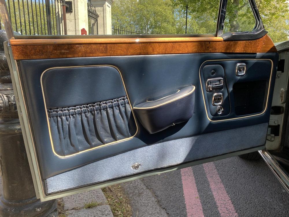 1972 Rolls-Royce Corniche FHC - impeccable condition For Sale (picture 18 of 24)