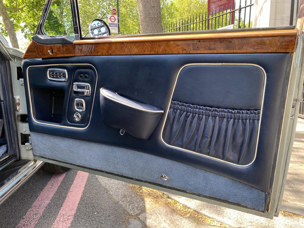 1972 Rolls-Royce Corniche FHC - impeccable condition For Sale (picture 19 of 24)