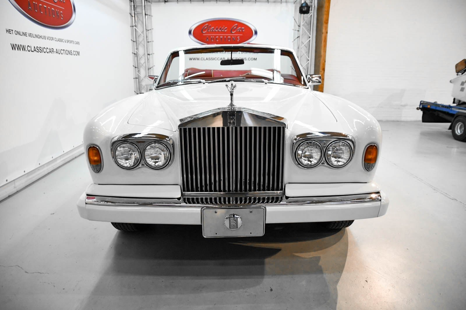 Rolls-Royce Corniche Convertible 1984 For Sale by Auction (picture 2 of 6)