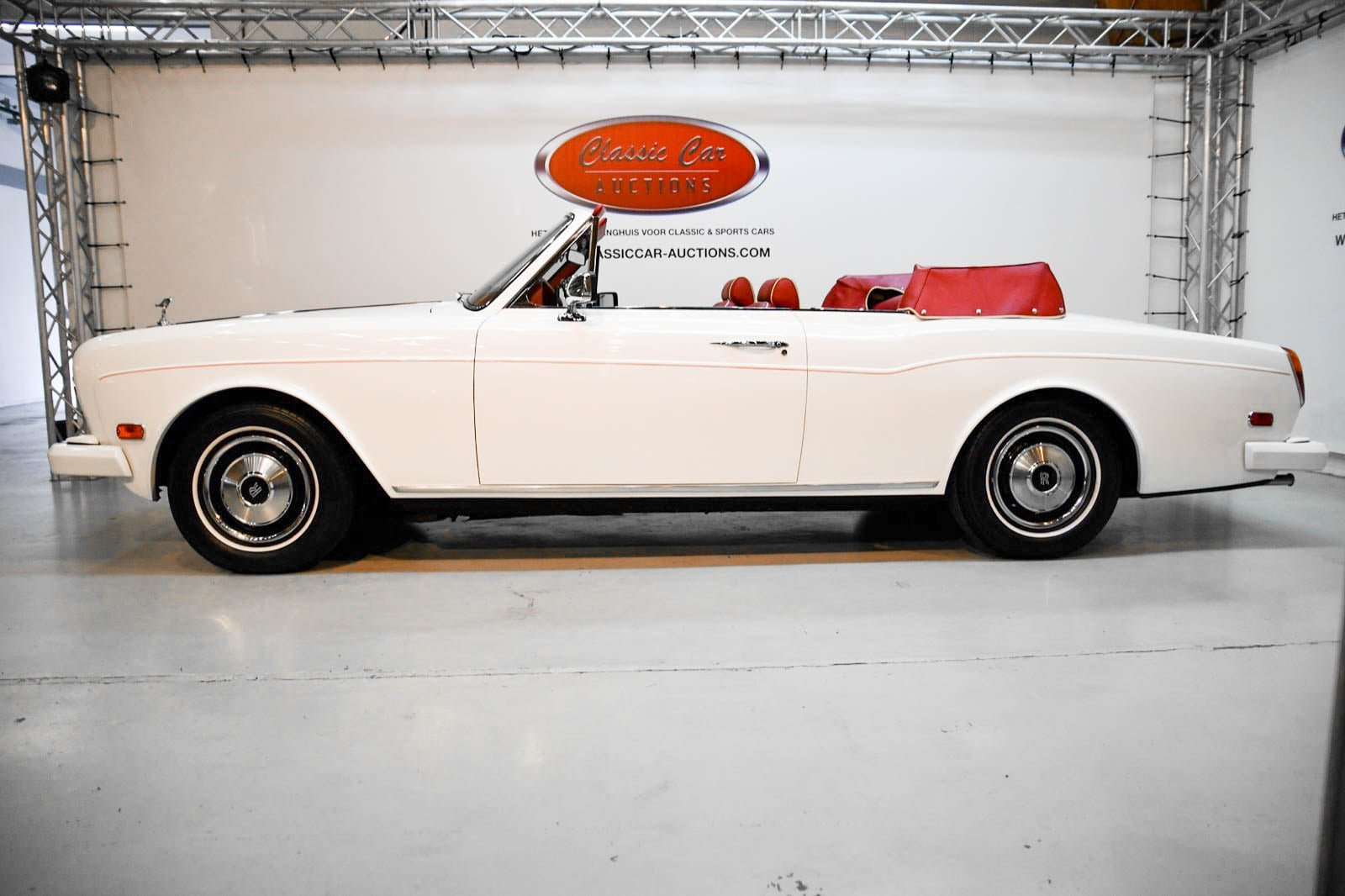 Rolls-Royce Corniche Convertible 1984 For Sale by Auction (picture 4 of 6)