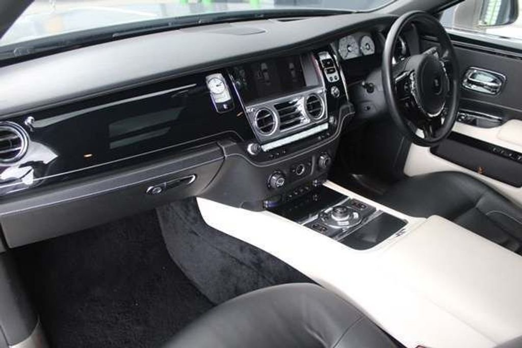 2012 Rolls-Royce Ghost 6.6 ONLY ROLLS ROYCE BUILT TO SPEC For Sale (picture 6 of 10)