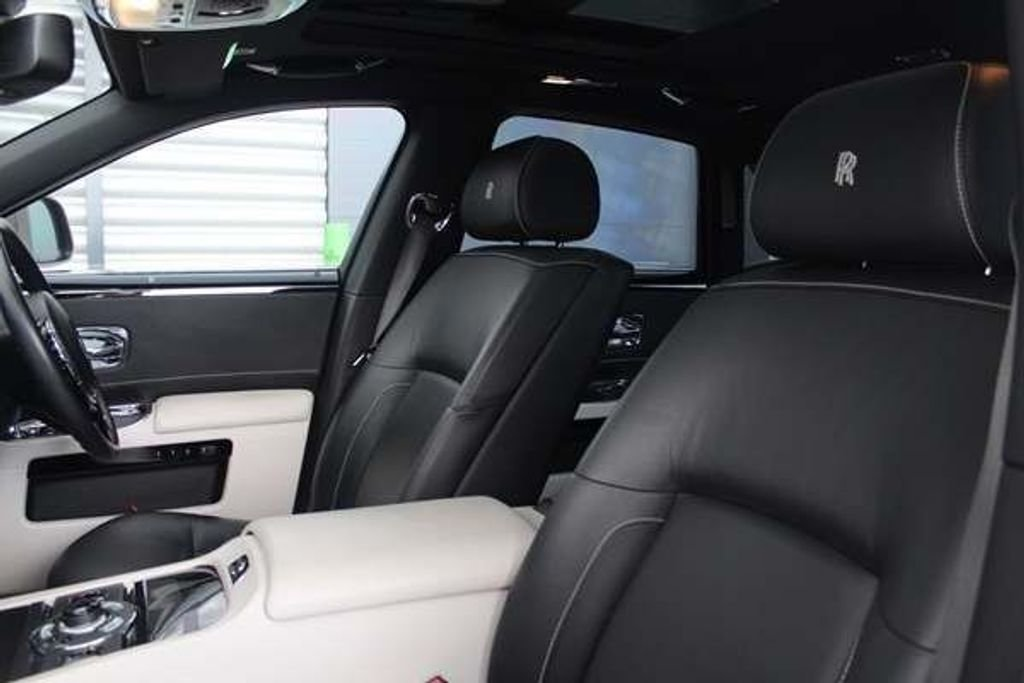 2012 Rolls-Royce Ghost 6.6 ONLY ROLLS ROYCE BUILT TO SPEC For Sale (picture 8 of 10)