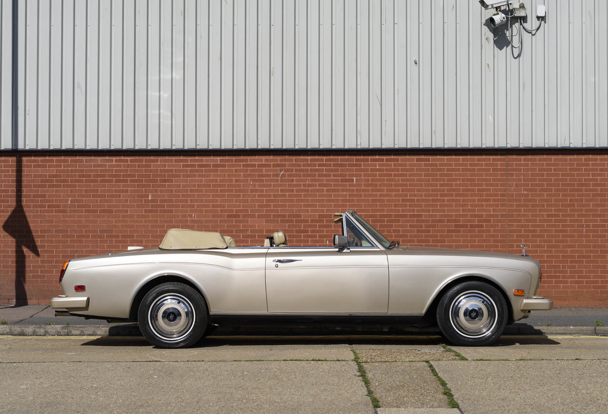 1989 Rolls-Royce Corniche II Convertible (LHD) For Sale (picture 5 of 24)