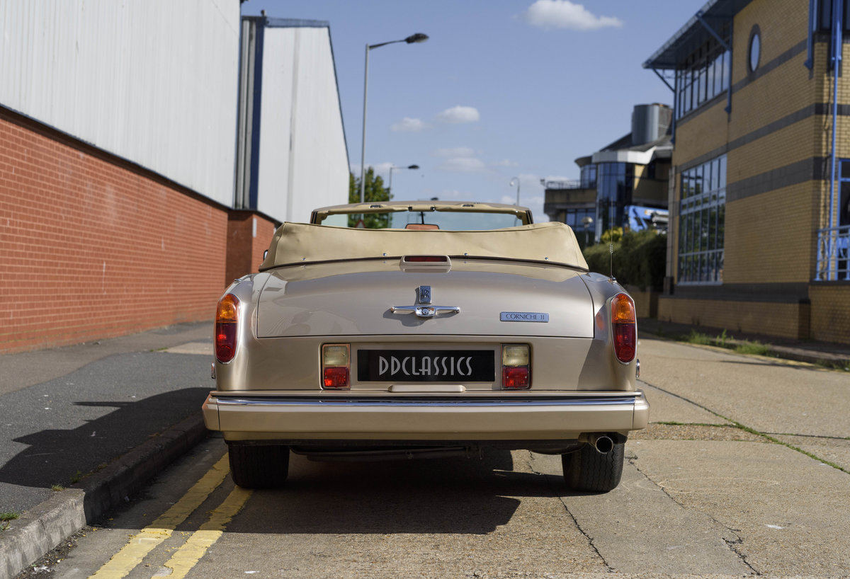 1989 Rolls-Royce Corniche II Convertible (LHD) For Sale (picture 8 of 24)