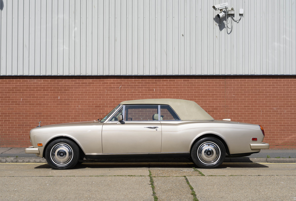 1989 Rolls-Royce Corniche II Convertible (LHD) For Sale (picture 10 of 24)