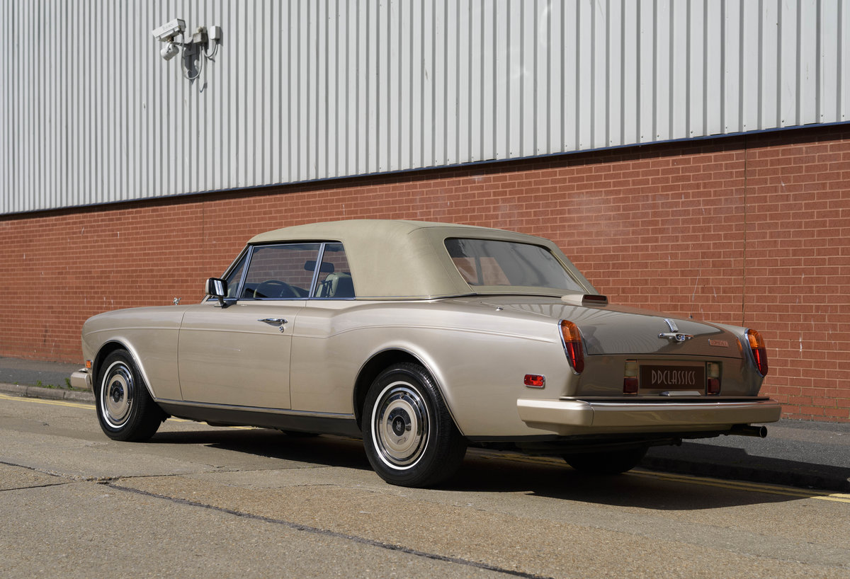 1989 Rolls-Royce Corniche II Convertible (LHD) For Sale (picture 11 of 24)