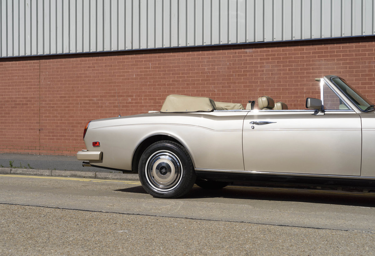 1989 Rolls-Royce Corniche II Convertible (LHD) For Sale (picture 15 of 24)