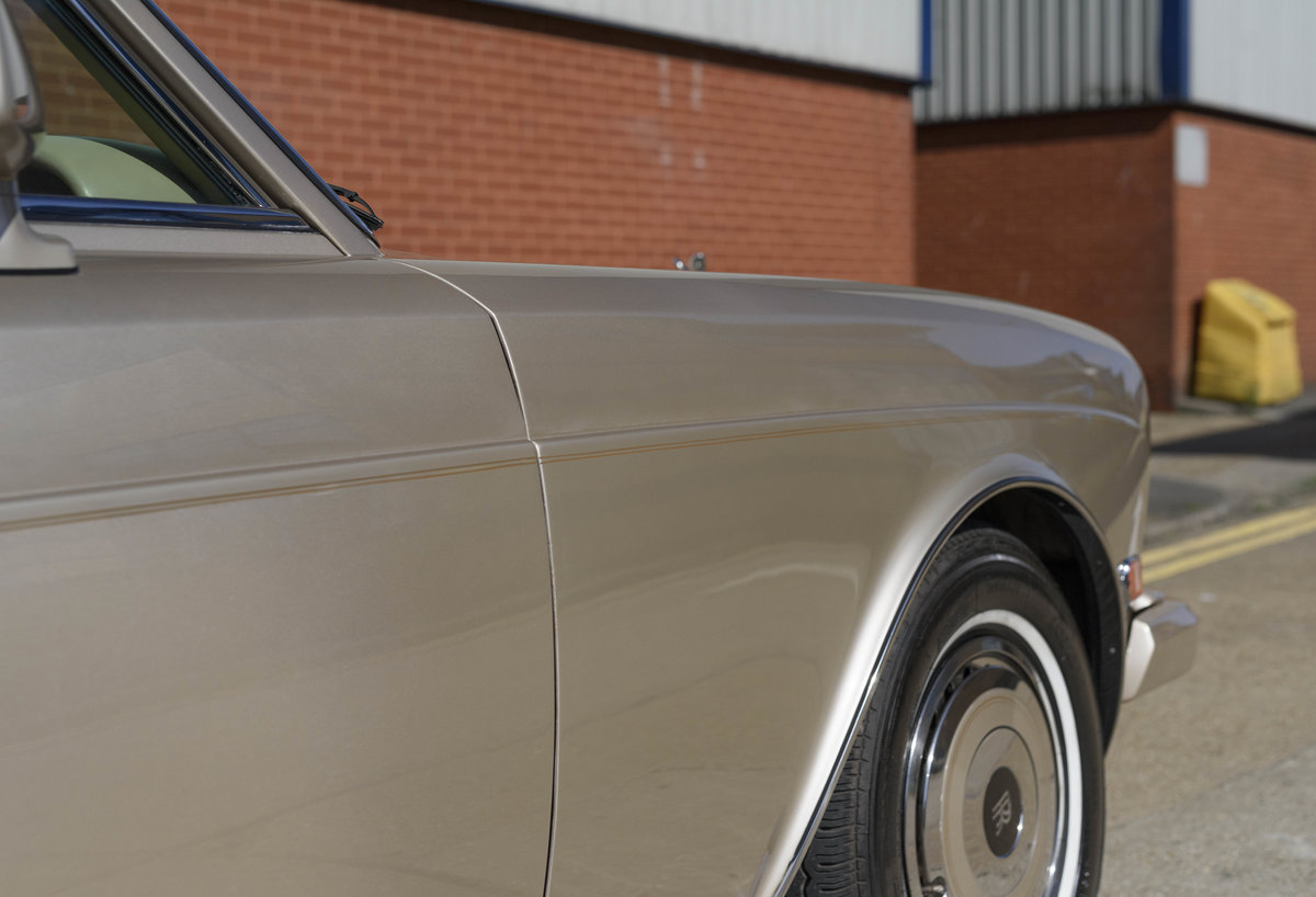 1989 Rolls-Royce Corniche II Convertible (LHD) For Sale (picture 16 of 24)
