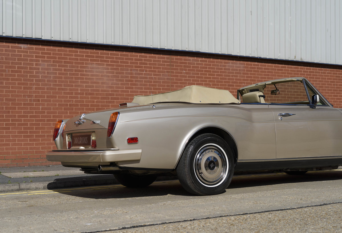 1989 Rolls-Royce Corniche II Convertible (LHD) For Sale (picture 17 of 24)