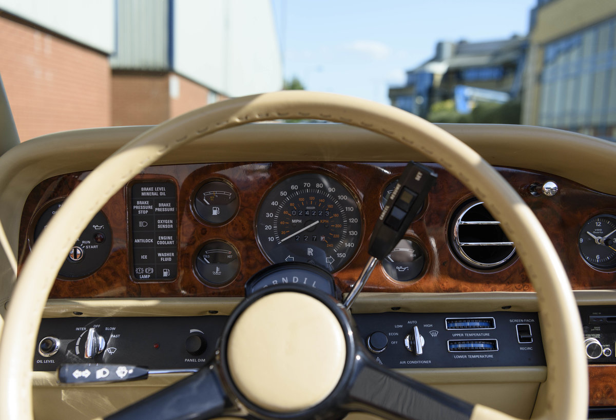 1989 Rolls-Royce Corniche II Convertible (LHD) For Sale (picture 20 of 24)