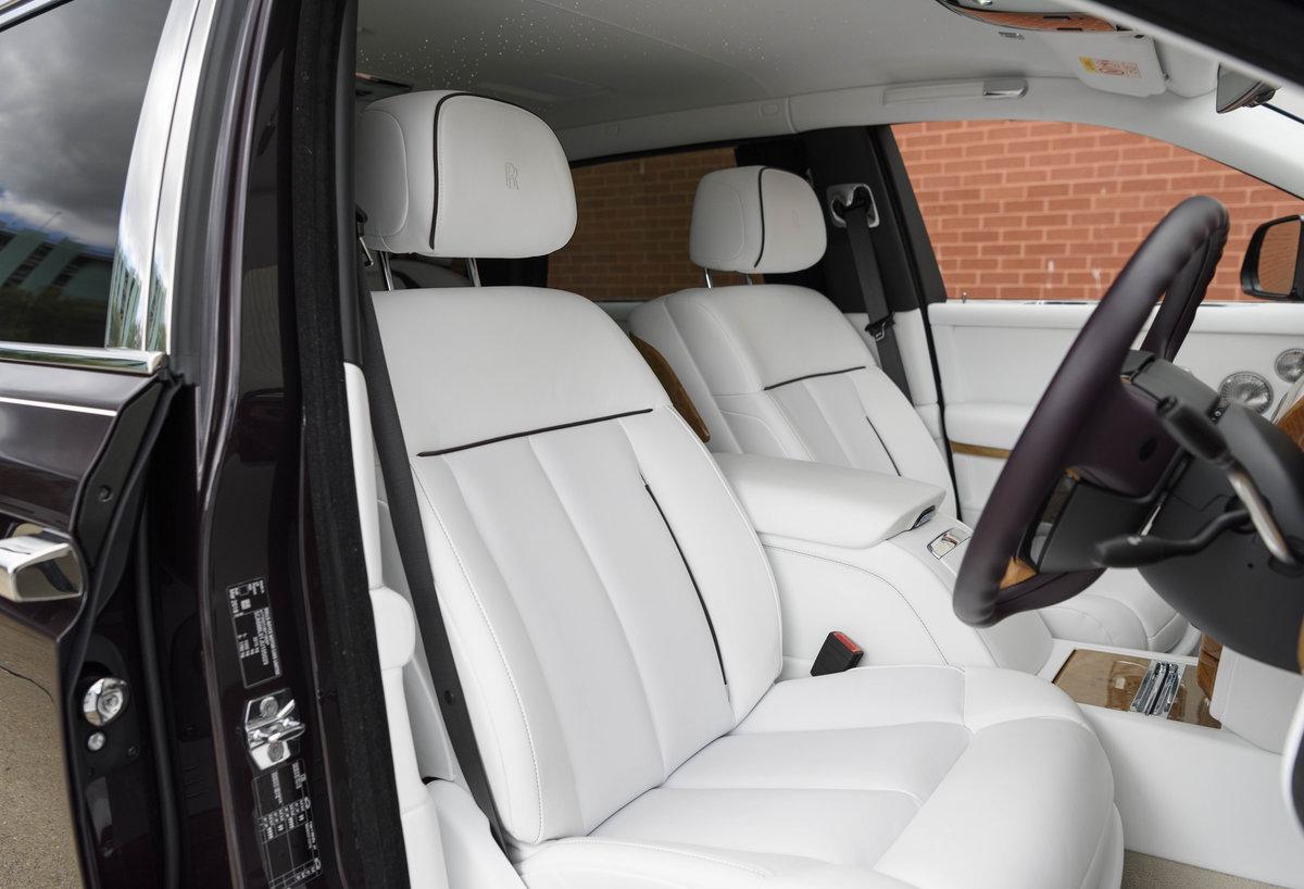 2018 Rolls-Royce Phantom VIII EWB (Extended Wheel Base) (RHD) For Sale (picture 17 of 24)
