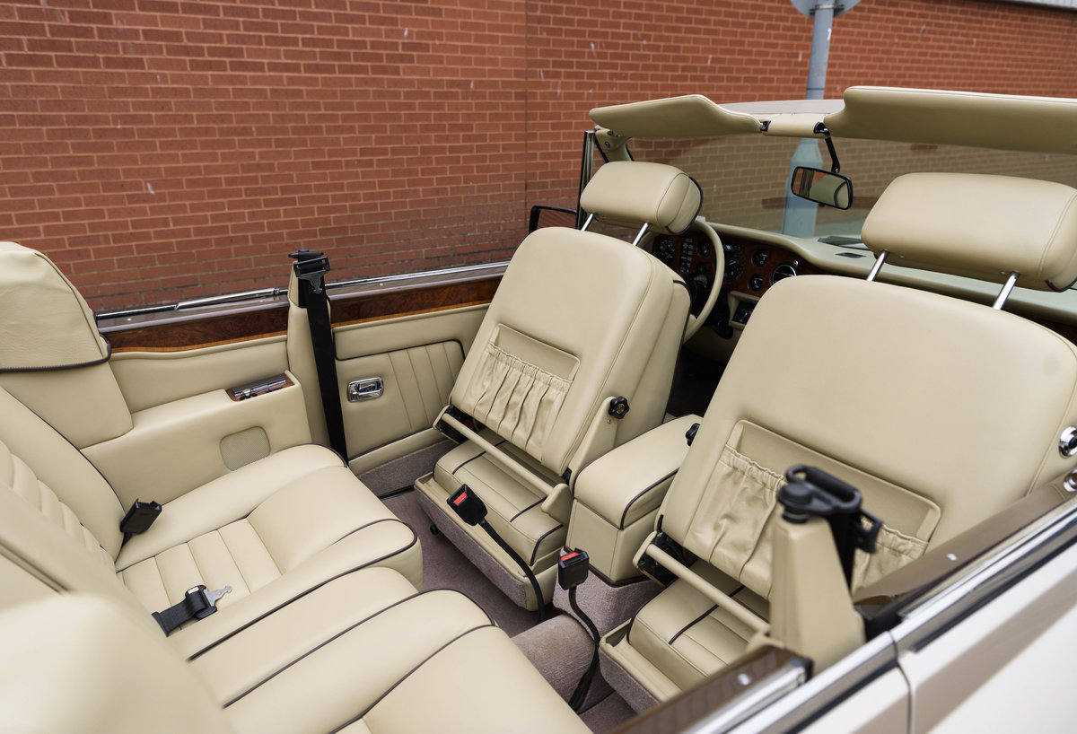 1989 Rolls-Royce Corniche II Convertible (LHD) For Sale (picture 22 of 24)