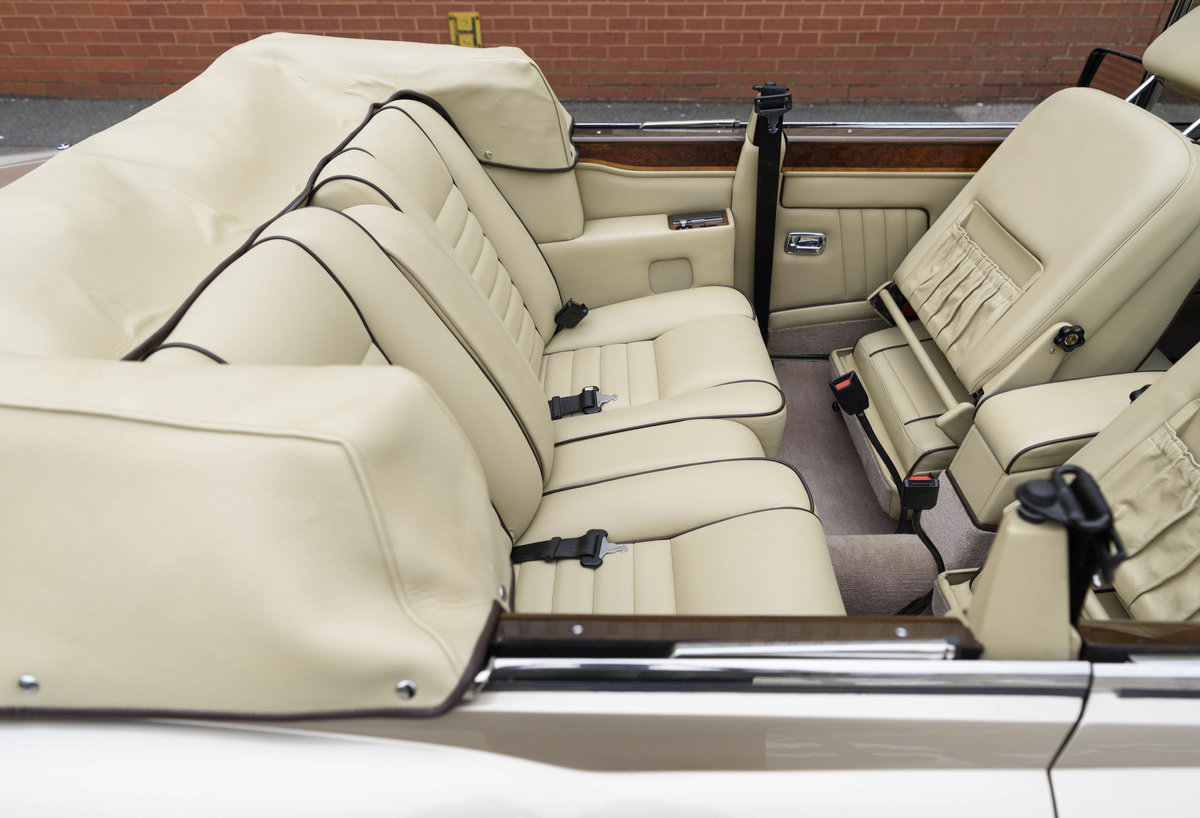 1989 Rolls-Royce Corniche II Convertible (LHD) For Sale (picture 23 of 24)