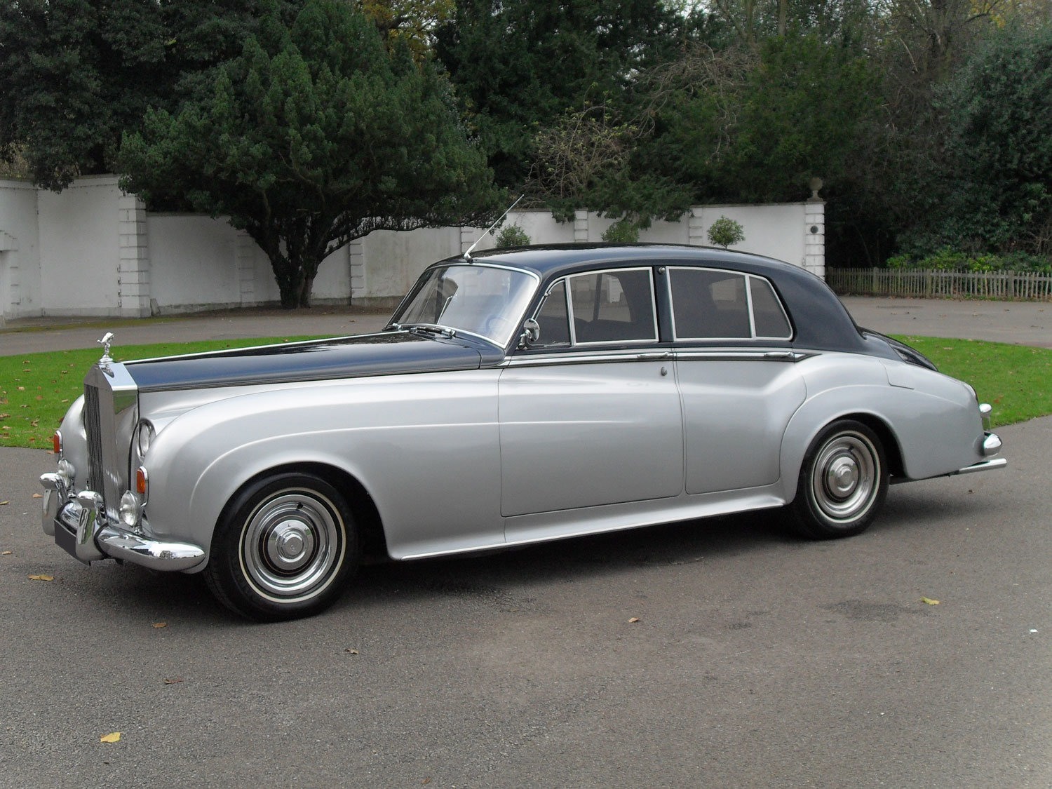 1961 Rolls-Royce Silver Cloud II Saloon (Left Hand Drive) For Sale (picture 1 of 2)