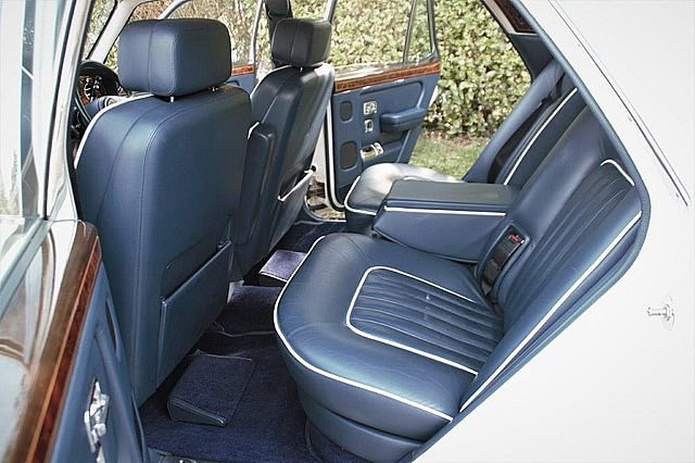 1990 Rolls Royce Silver Spirit 2 (Only 13,000 miles) For Sale (picture 5 of 6)