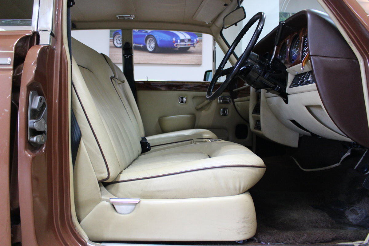 1980 Rolls Royce Silver Shadow II   52,000 Miles & FSH For Sale (picture 8 of 10)