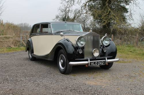 1949 Rolls-Royce Silver Wraith.  Coachwork by H J Mulliner For Sale (picture 1 of 6)