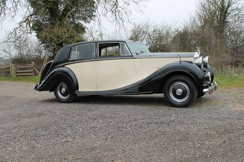 1949 Rolls-Royce Silver Wraith.  Coachwork by H J Mulliner For Sale (picture 2 of 6)