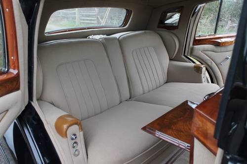 1949 Rolls-Royce Silver Wraith.  Coachwork by H J Mulliner For Sale (picture 4 of 6)