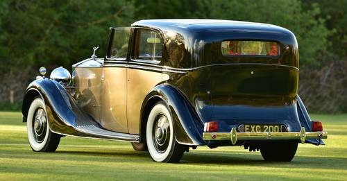 1938 Rolls RoycePhantom III Sedanca by H.J. Mulliner. For Sale (picture 3 of 6)