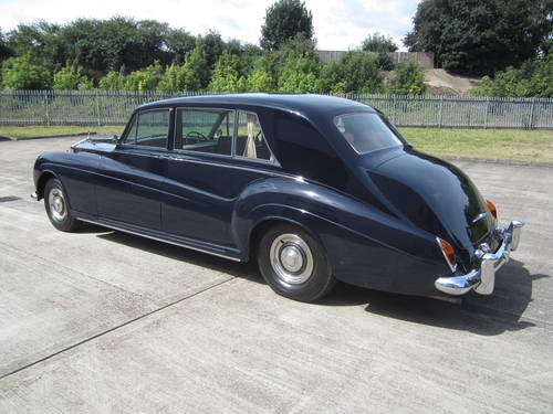 1967 Rolls-Royce Phantom V Limousine by James Young (PV16) For Sale (picture 3 of 6)