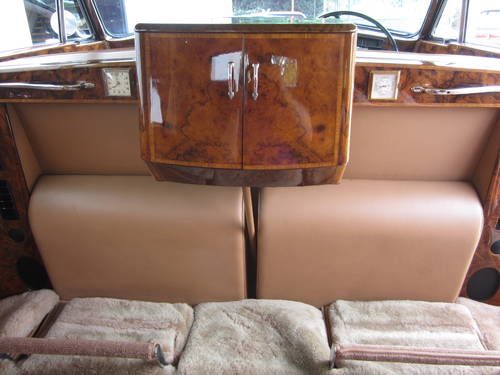 1967 Rolls-Royce Phantom V Limousine by James Young (PV16) For Sale (picture 5 of 6)
