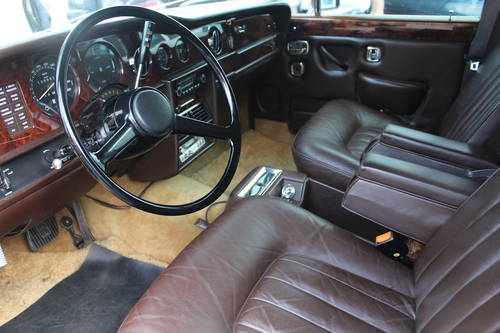1977 Rolls-Royce Silver Wraith II LHD SOLD (picture 5 of 6)