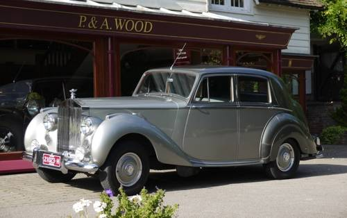 Rolls-Royce Silver Dawn 1951 Standard Saloon For Sale (picture 1 of 3)