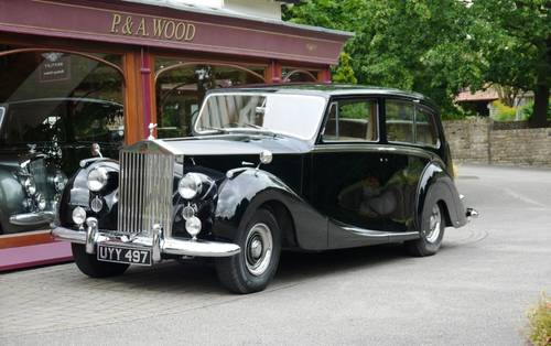 Rolls-Royce Silver Wraith 1958 Limousine by Hooper For Sale (picture 1 of 3)