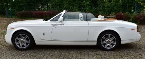 2015 Rolls Royce Phantom Drop Head Coupé LHD For Sale (picture 2 of 6)