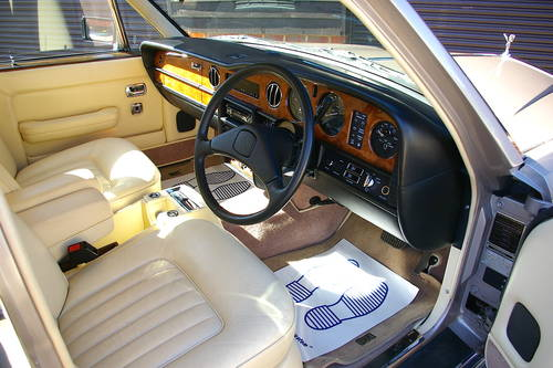 1984 Rolls Royce Silver Spur 6.8 Saloon Auto (23,342 miles) SOLD (picture 4 of 6)