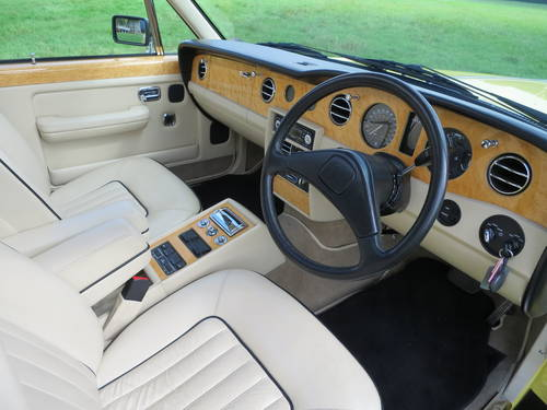 1990 Rolls-Royce Silver Spirit II SOLD (picture 6 of 6)