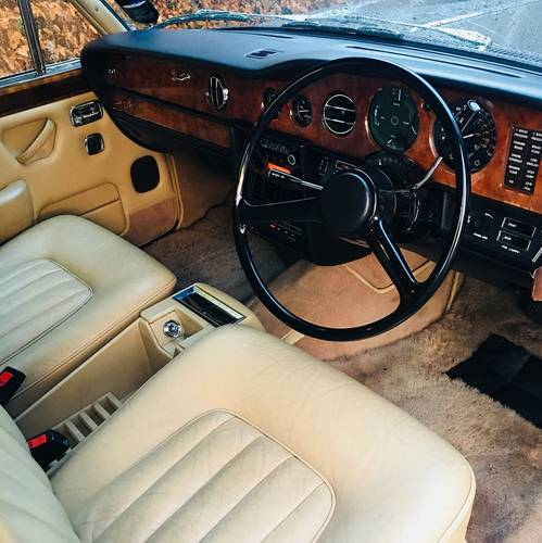 1979 SILVER SHADOW - WONDERFUL SERVICE HISTORY - CHESTNUT SOLD (picture 5 of 6)