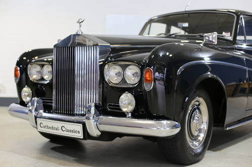 A majestic 1963 Rolls Royce Silver Cloud III Saloon with doc SOLD (picture 3 of 6)