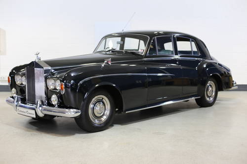 A majestic 1963 Rolls Royce Silver Cloud III Saloon with doc SOLD (picture 4 of 6)