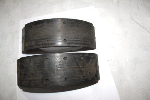 1958 Pair Front Brake shoes, good linings For Sale (picture 1 of 3)