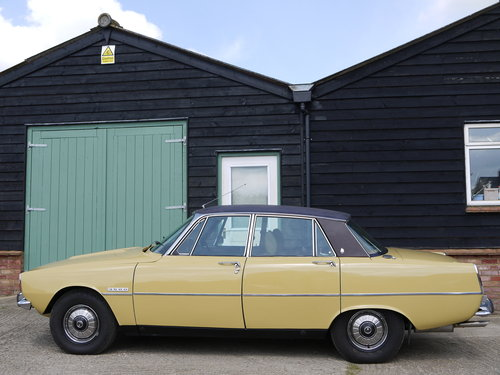 1974 ROVER P6 3500 V8 SALOON WITH LEATHER AND PAS !! SOLD (picture 3 of 6)