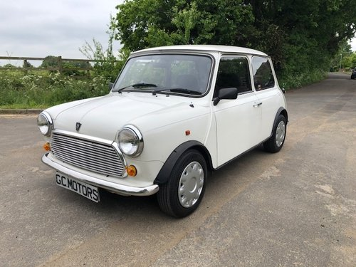 1994 Rare Mini 35 in white with 2 lady owner 29k Miles For Sale (picture 1 of 6)