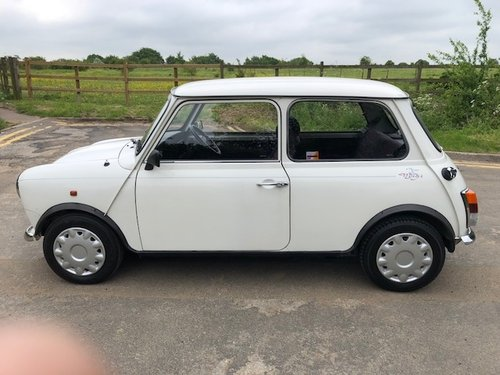 1994 Rare Mini 35 in white with 2 lady owner 29k Miles For Sale (picture 2 of 6)
