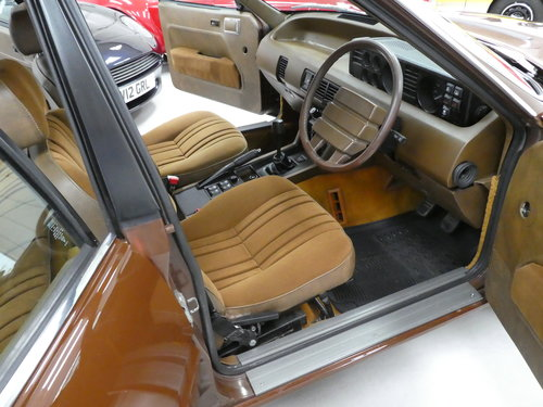 1980 Rover SD1 3500 V8 Rare Manual - Immaculate SOLD (picture 4 of 6)