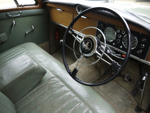 1960 ROVER P4 100 SALOON WITH OVERDRIVE - GREAT VALUE !! SOLD (picture 4 of 6)