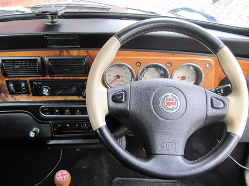 1998 ROVER MINI CLASSIC , LOW MILEAGE , FRESH JAPANESE IMPORT For Sale (picture 3 of 6)